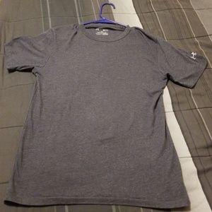 Small mens under armour tshirt